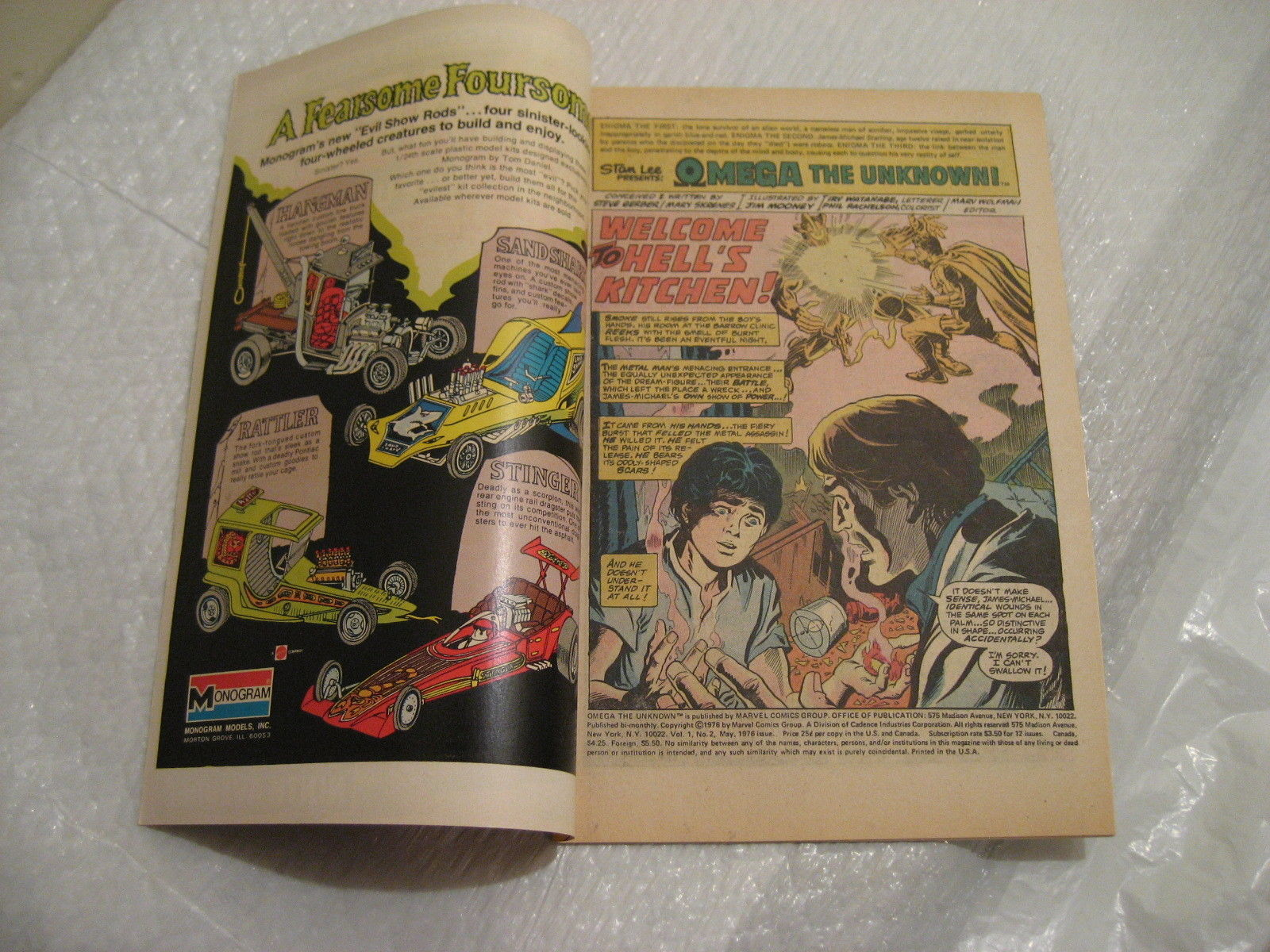 OMEGA THE UNKNOWN #2 marvel comics very fine condition 1976