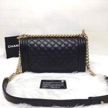 AUTH NEW CHANEL 2018 BLACK QUILTED CAVIAR LEATHER MEDIUM BOY FLAP BAG GHW image 2