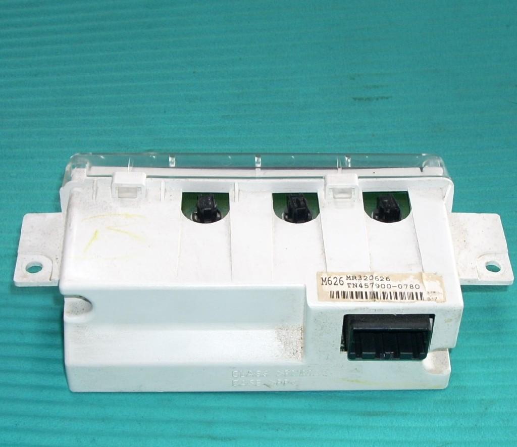 2002 MITSUBISHI ECLIPSE CLOCK INFOR DISPLAY SCREEN MR320626