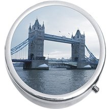 Tower Bridge London Medicine Vitamin Compact Pill Box - $9.78
