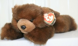 TY CLASSIC PLUSH - BABY PAWS BEAR W/ Tag SABLE BROWN 1996 Retired Laying - $19.79