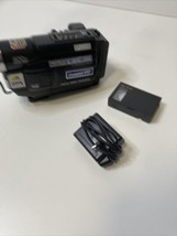 Jvc GR-AXM230U 400x Digital Zoom 16X Optical Zoom Compact Vhs Camcorder Tested - $67.32