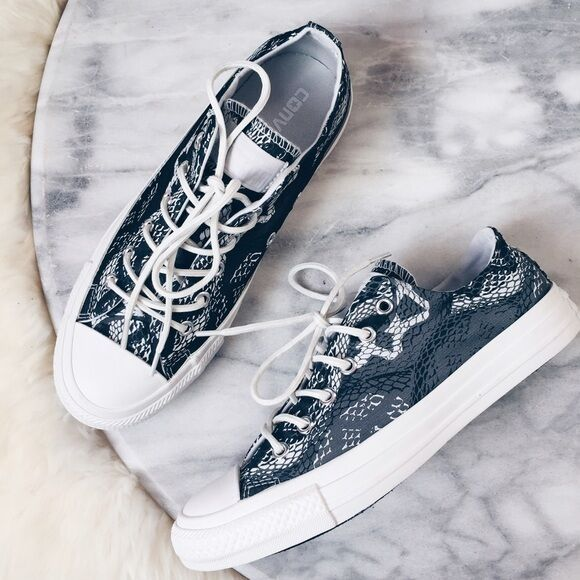 Converse Women s Chuck Taylor OX and 50 similar items edd3afd4e