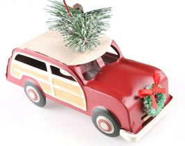 Tin Woody Wagon Car With Wreath and Christmas Tree Ornament NEW image 3