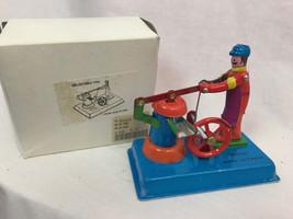 Vintage Litho Pompa Dell'Acqua MM088 Scatola di Latta Giocattolo in Orig... - $32.26