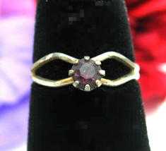 PURPLE RHINESTONE RING Vintage SOLITAIRE Silvertone Adjustable, Costume ... - $9.99