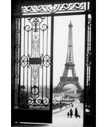 Eiffel tower Paris  Home Decor Canvas Print, choose your size. - $5.45+