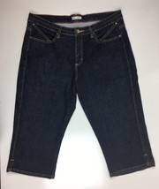 Lee Womens Capri Jeans Cropped Lower on the Waist Stretch  Waist 35 Inch - $14.98