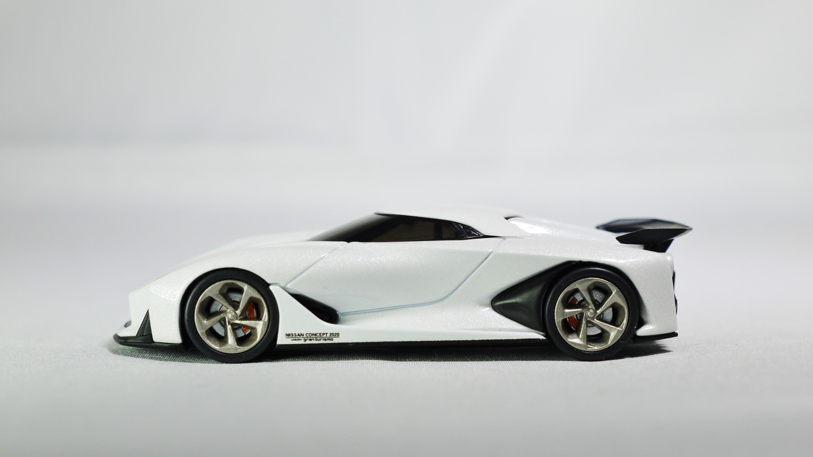 TOMICA TOMYTEC VINTAGE NEO GT NISSAN CONCEPT 2020 Vision Gran Turismo White