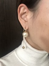 Authentic Christian Dior 2017 Limited Edition Long Pearl Dangle Drop Earrings image 7