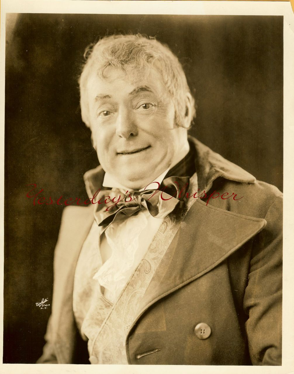 Teddy WEBB Blossom TIME ORG White Studio PHOTO G480
