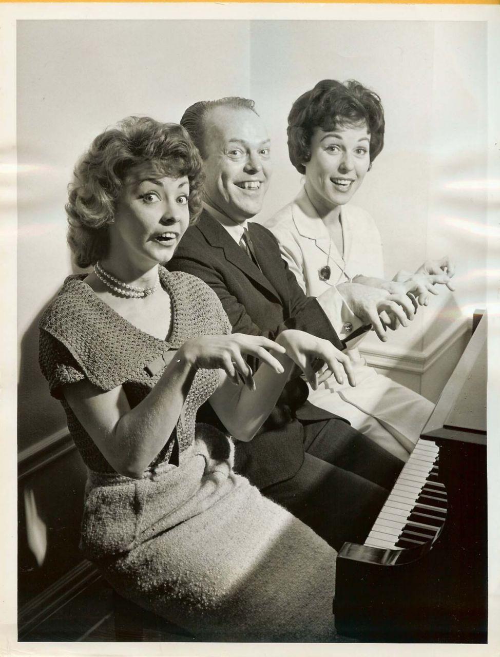 Vintage Bess MYERSON Ed SULLIVAN SHOW PHOTO D824