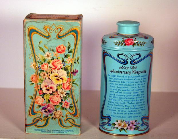 California Perfume 1977 Excellent condition Powder Tin