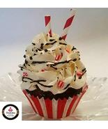 Dezicakes Fake Cupcake Peppermint- Chocolate Fake Cake decoration prop - €3,91 EUR