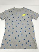 Nike Tee Boys Youth T-Shirt Smiley Face Swoosh Size Medium Gray Athletic Cut New - $15.43