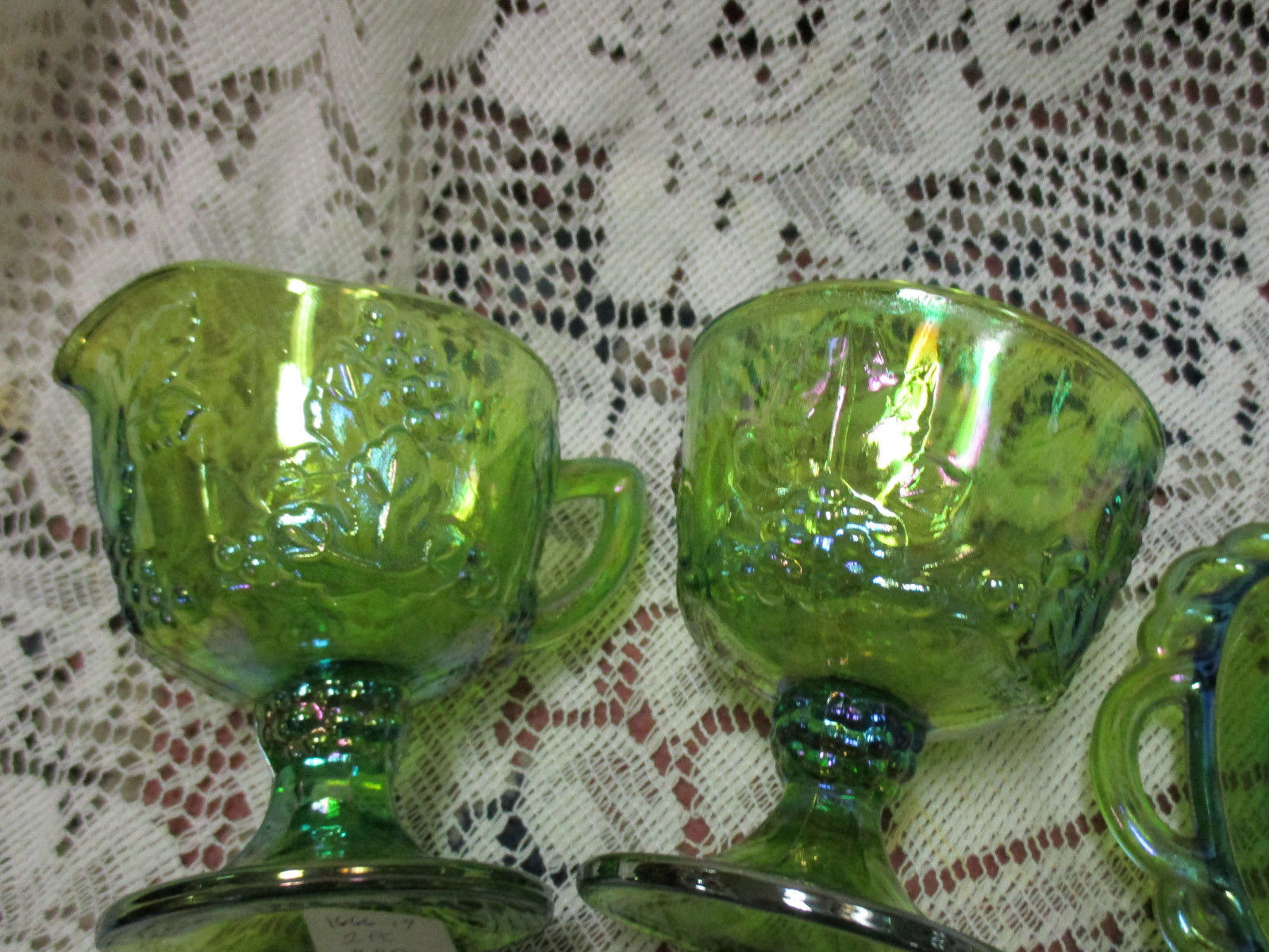 Lime Green Iridescent Carnival Glass Harvest Grape Creamer & Sugar w/ Tray