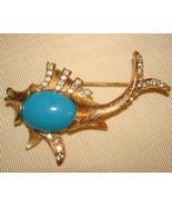 FABULOUS VINTAGE 1960's GOLD TONE RHINESTONE & CABOCHON BLUE STONE FISH ... - $19.99