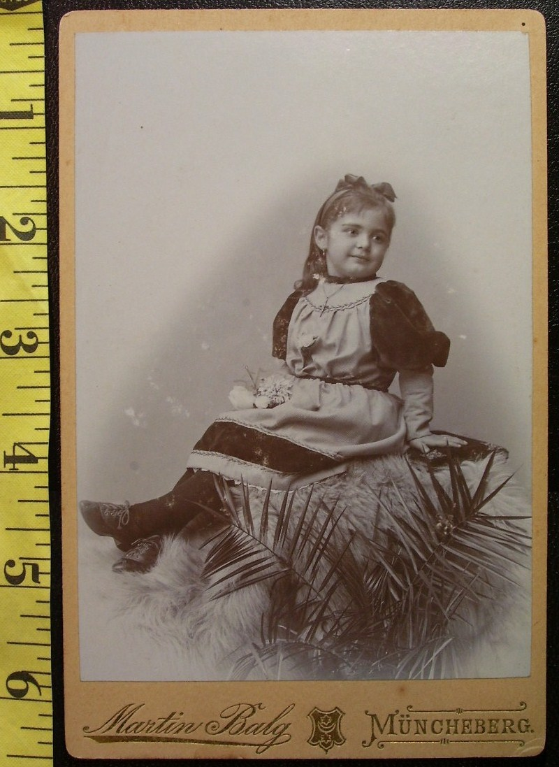 Cabinet Card Darling Young Girl Pretty Dress Wow! c.1866-80