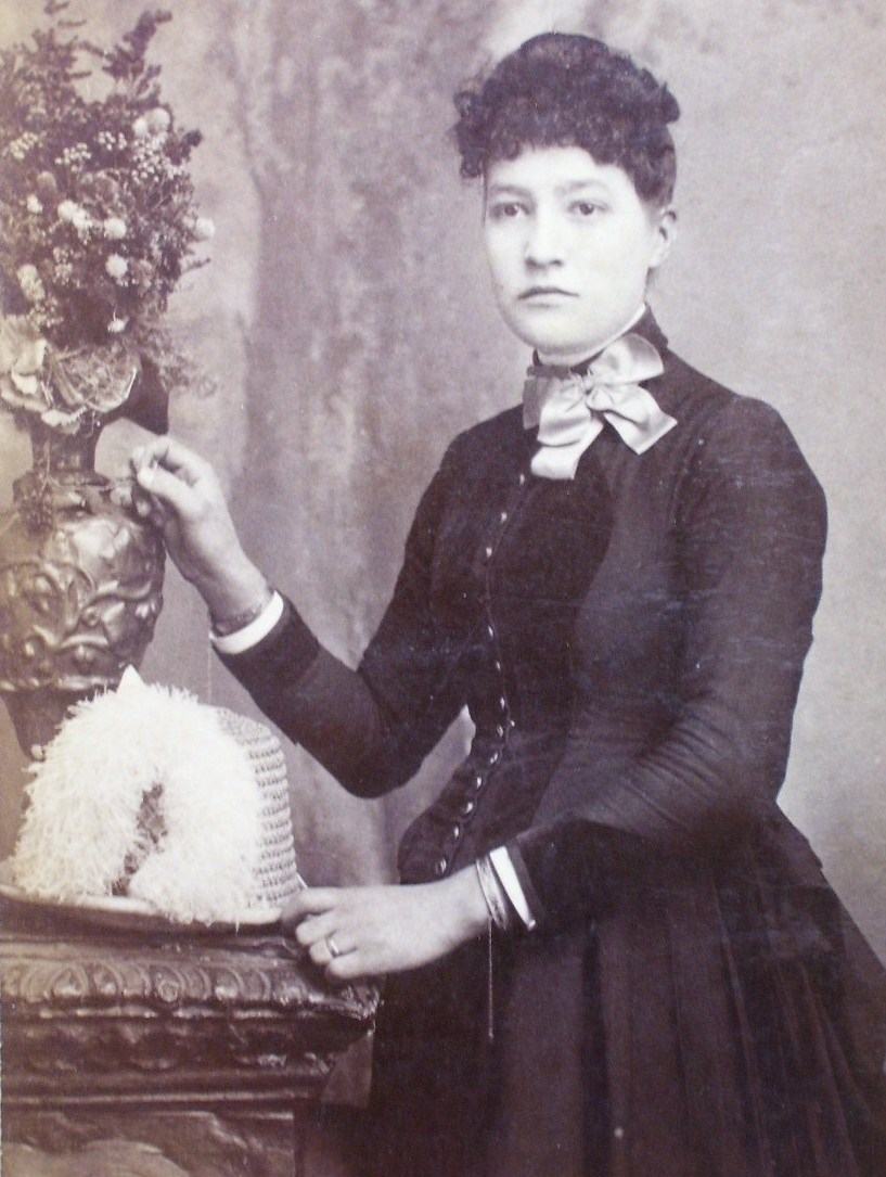 Cabinet Card Sad Looking Pretty Lady w/Neat Hat! c.1866-80