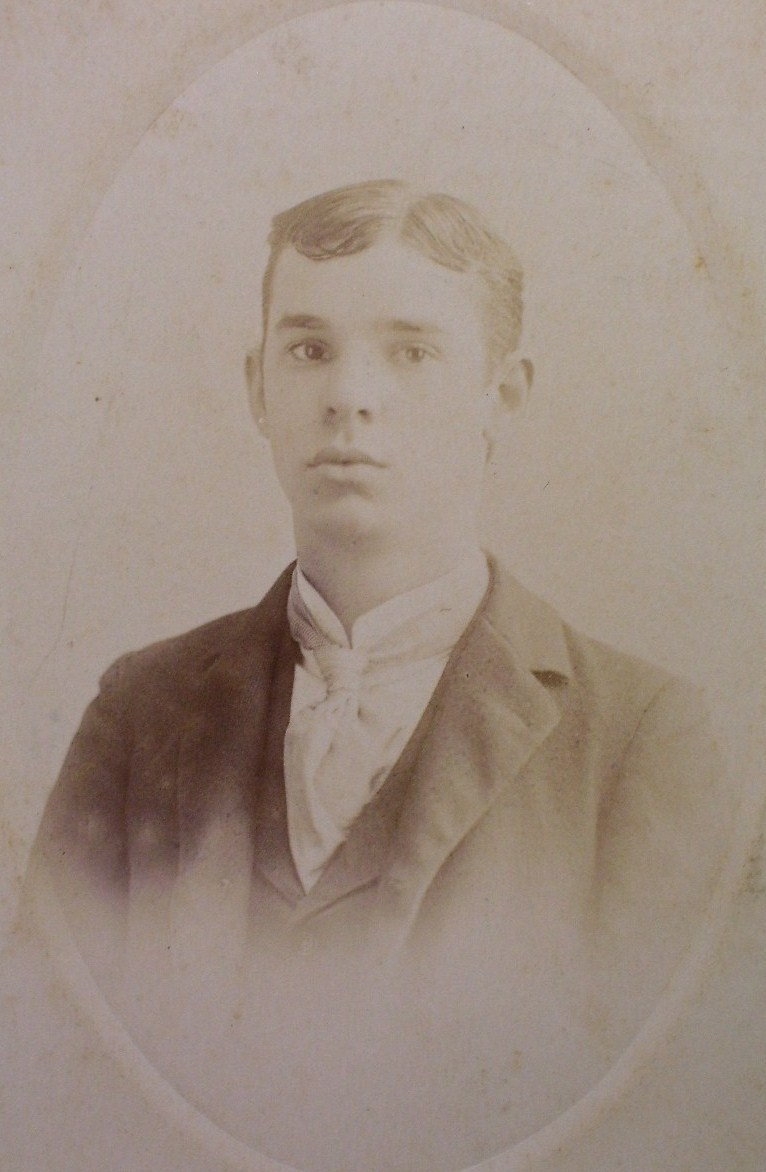 Cabinet Card Handsome Young Man Oval Frame N.Y.! c.1896!