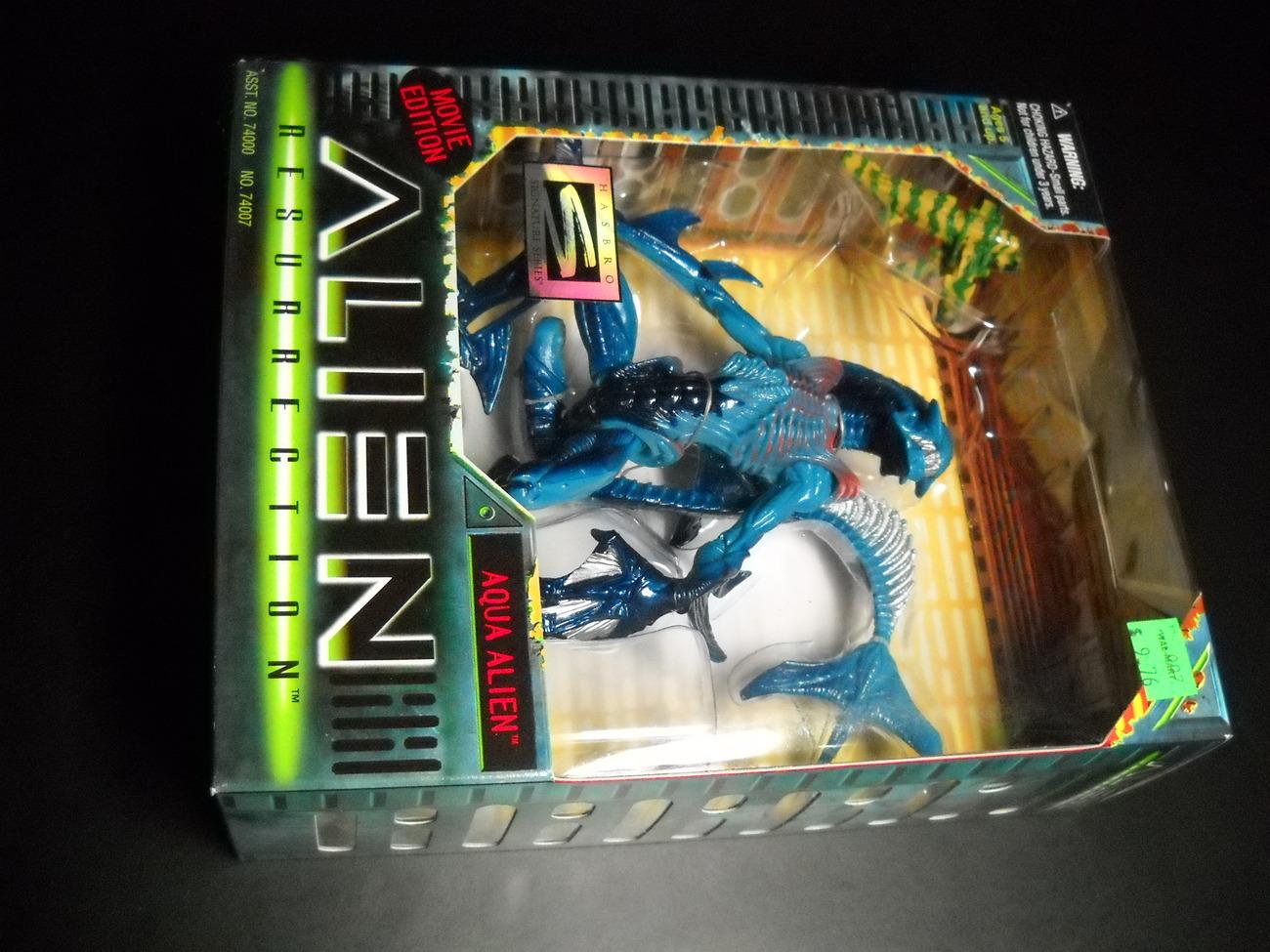 Toy aliens kenner hasbro 1997 alien resurrection aqua alien boxed sealed 01