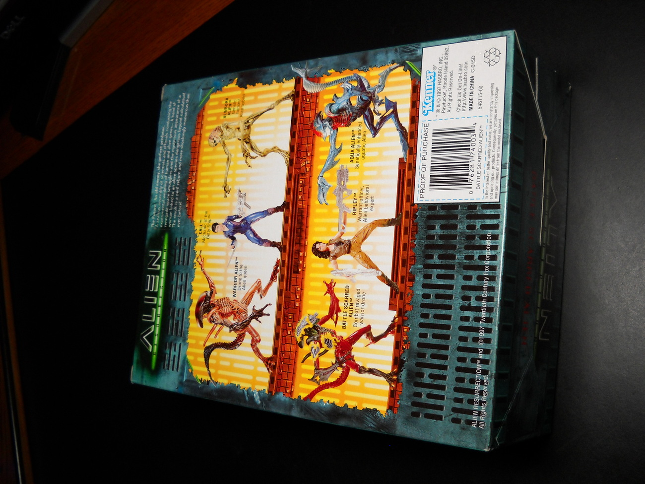 Kenner Hasbro Aliens Alien Resurrection Battle Scarred Alien Factory Sealed Box