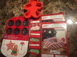 Wilton Lot Baking Cake Cupcake Pans Non Stick Christmas Tree Gingerbread... - $20.00