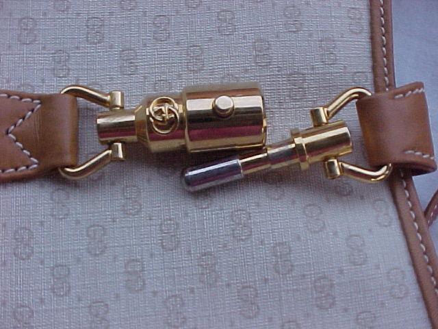 NWOTs Vintage GUCCI Hobo Medium Handbag - JACKIE
