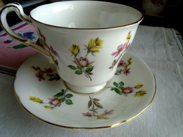 Vintage Paragon England Bone China Cup & Saucer By Appointment To The Queen - $14.52