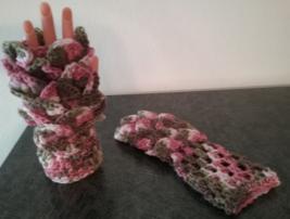 Handmade Crochet Crocodile Stitch Fingerless Gloves/Pix Mix - $15.00