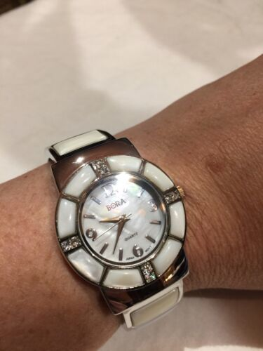 Vintage Style White Mother Of Pearl Bangle Cuff Bracelet Watch