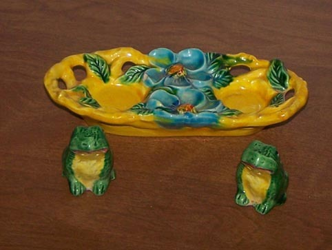 Frogs Salt And Pepper Shakers On Lilly Pad