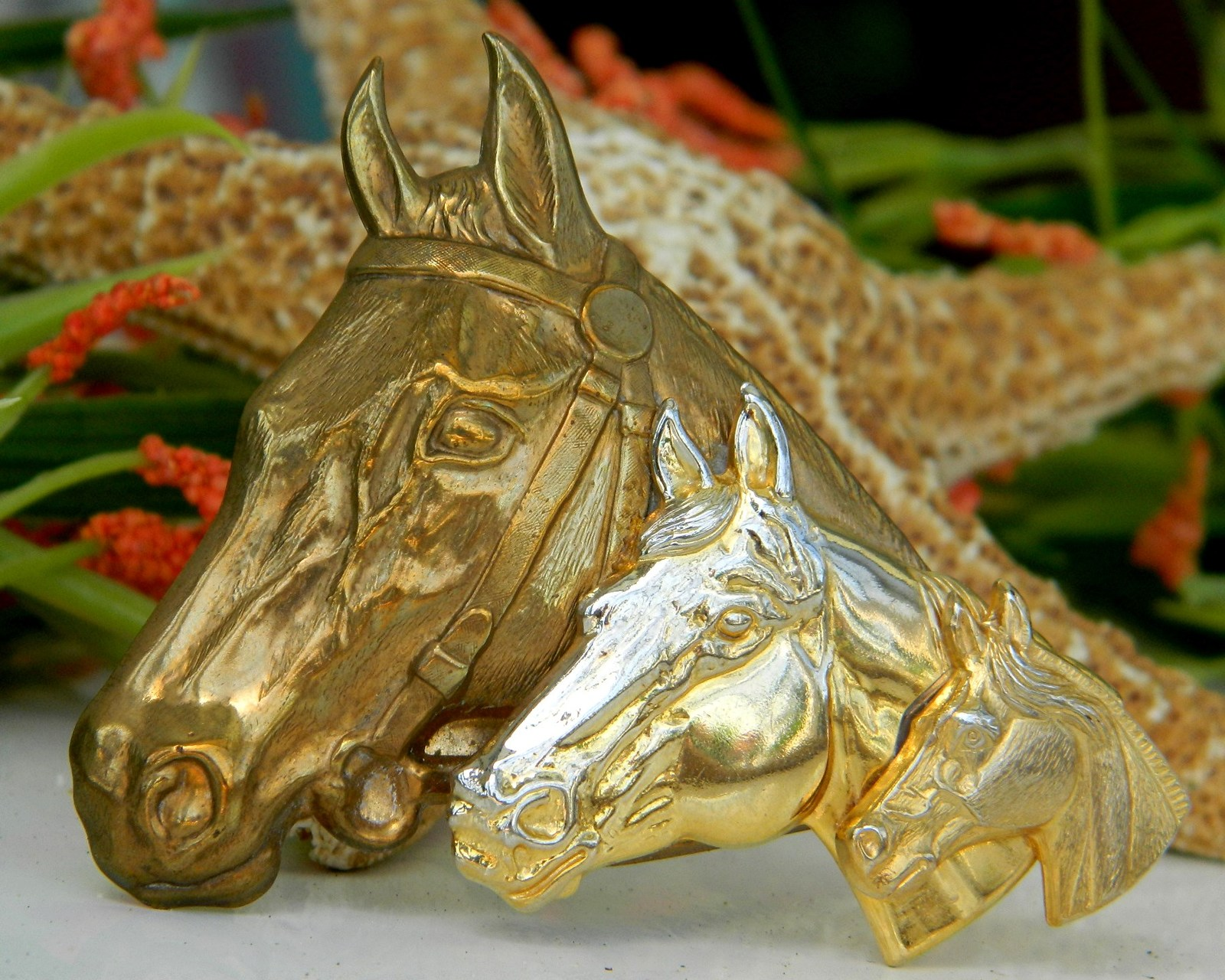 Triple Horse Head Brooch Pin Gold Tone Metal Equestrian