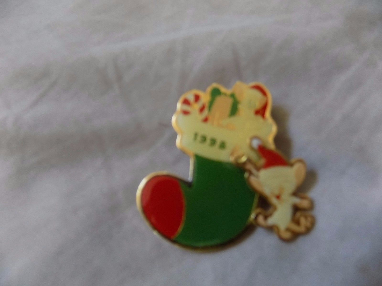 Pinky And The Brain Christmas.1998 Pinky And The Brain Christmas Pin And 19 Similar Items