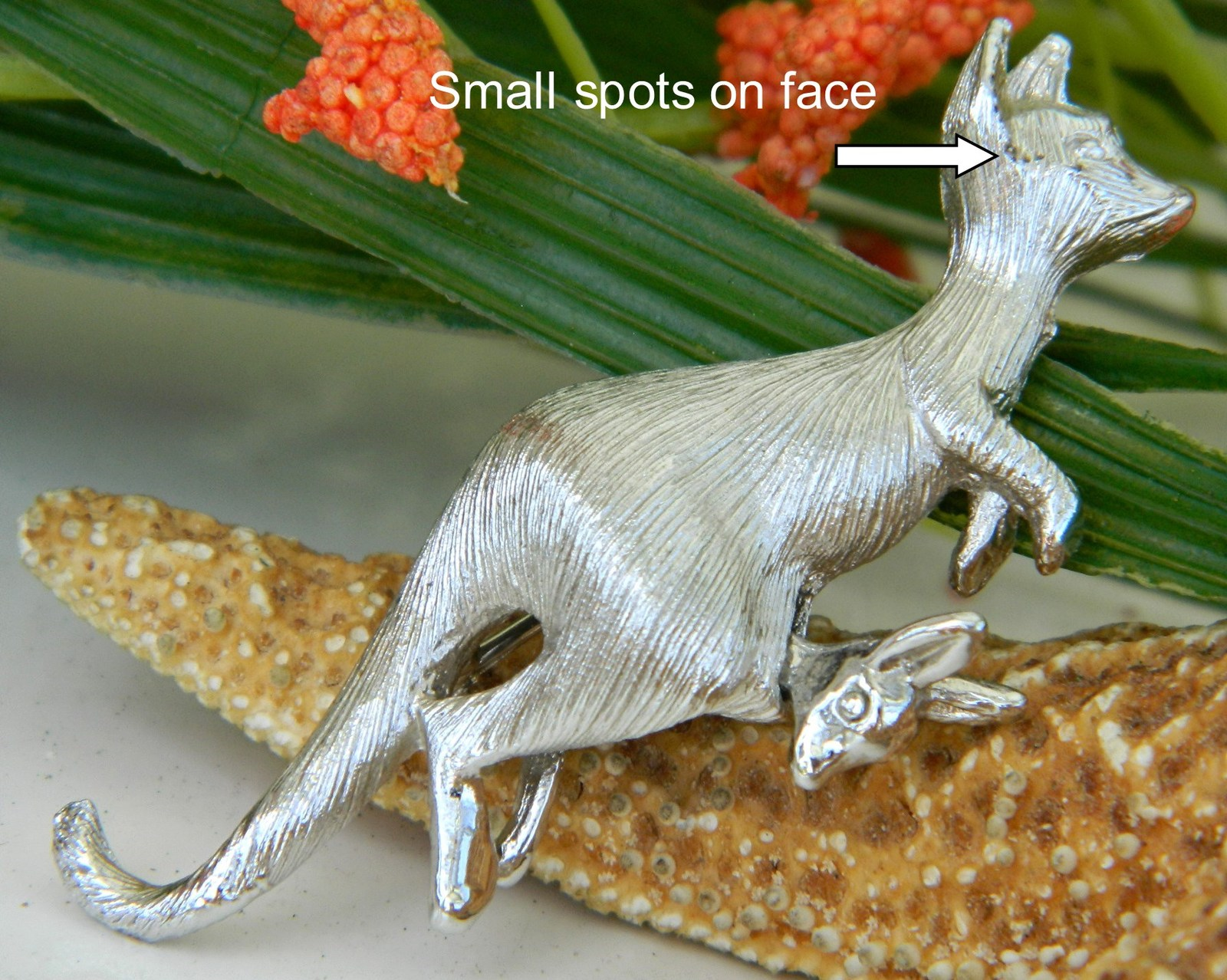 Napier Kangaroo Figural Pin Brooch Nodding Baby Joey Pouch