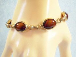 SARAH COVENTRY Faux TIGER EYE Cabochon Bracelet Brown Gold Plated Vintag... - $17.81
