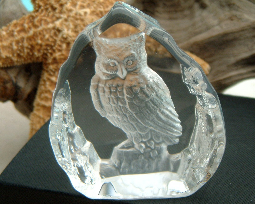 Decorative glass owl carved etched paperweight figurine owls