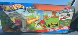 Hot Wheels Angry Birds Slingshot Launch Track Set NEW Y2410 - $14.36