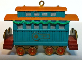 1991 Hallmark ~ Claus & Co. R. R. Passenger Car ~ #3 of 4 ~ Pre-Owned - $12.00