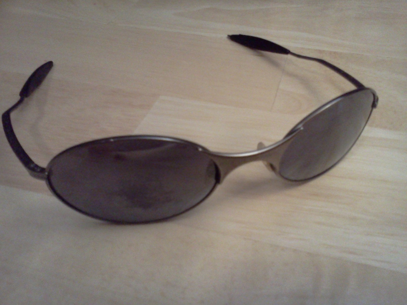 Classic Oakley High Definition Optics Whisker  Sunglasses with Plutonite Lens