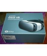 Samsung SM-R322NZWAXAR Gear VR Headset - Frost White - New, READ - $13.95