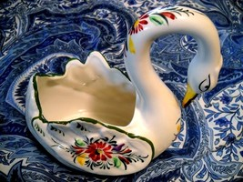 RCCL HAND PAINTED SWAN PLANTER MADE IN PORTUGAL SIGNED PS & NUMBERED 592  - £5.36 GBP