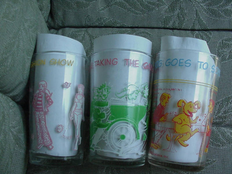 1971 Archie~ Veronica~ Hot Dog Promo Glasses~vintage