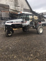Spra-Coupe 4440 Sprayer For Sale in Bloomington, Illinois 61705 image 2
