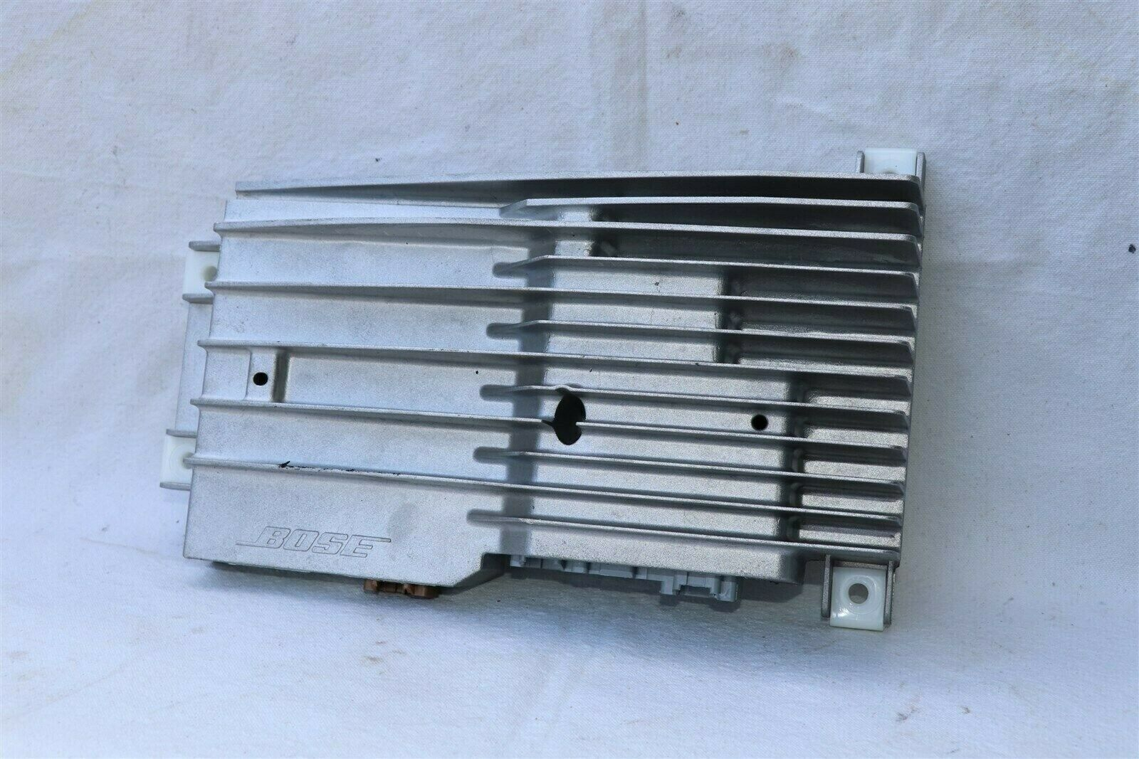 Cadillac CTS Bose Radio Stereo Receiver Audio Amplifier Amp 20869451 GMX322