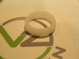 WOMENS SILICONE RING SIZE 6 PEARL WHITE BY VIN ZEN BRAND NEW - $7.19