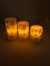 "Set Of 3 New Flickering Snowflake Pillar Candles, 6-5-4 "" Valerie Par Hi... - $14.03"