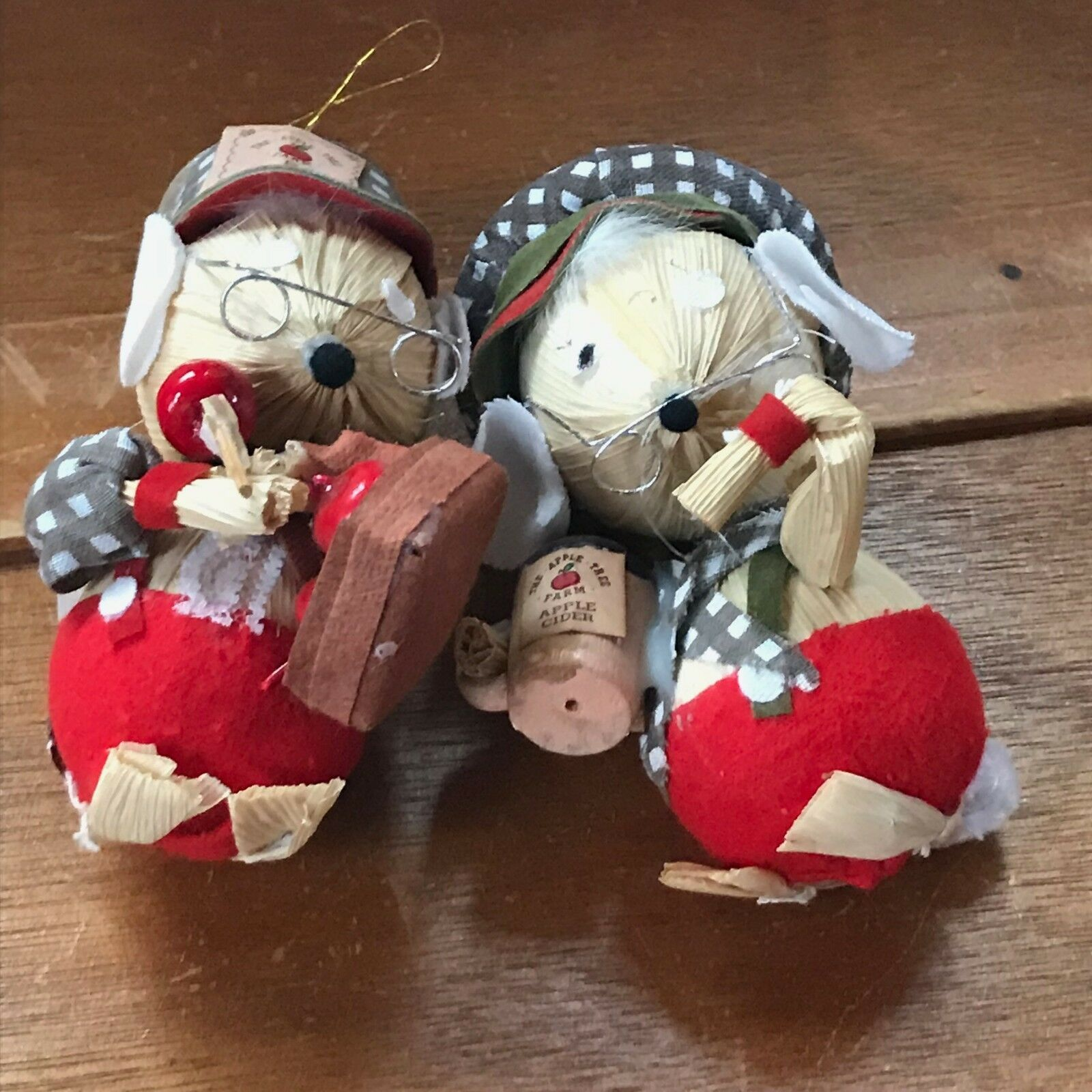Vintage Kurt S. Adler Pair of Corn Husk Christmas Mouse Couple with Apple Cider