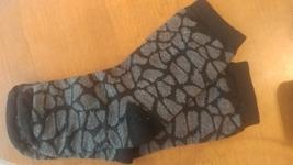 girls black and gray socks vmh297 - $9.85