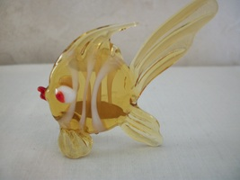 Art Glass Tropical Angel Fish with delicate fins and tail. (#0493) - $12.99